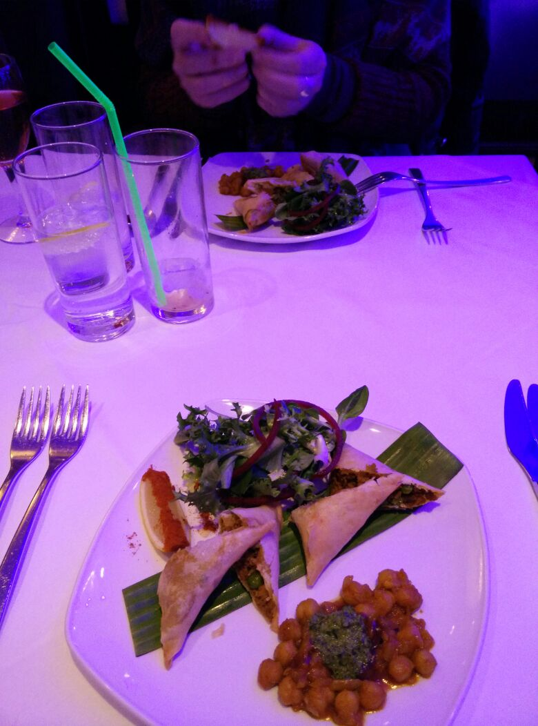 Our starter of little samosas. ( I had something else but the picture is so terrible that I'm embarrassed to show it. I have a Sony phone now ... but that's another story ).